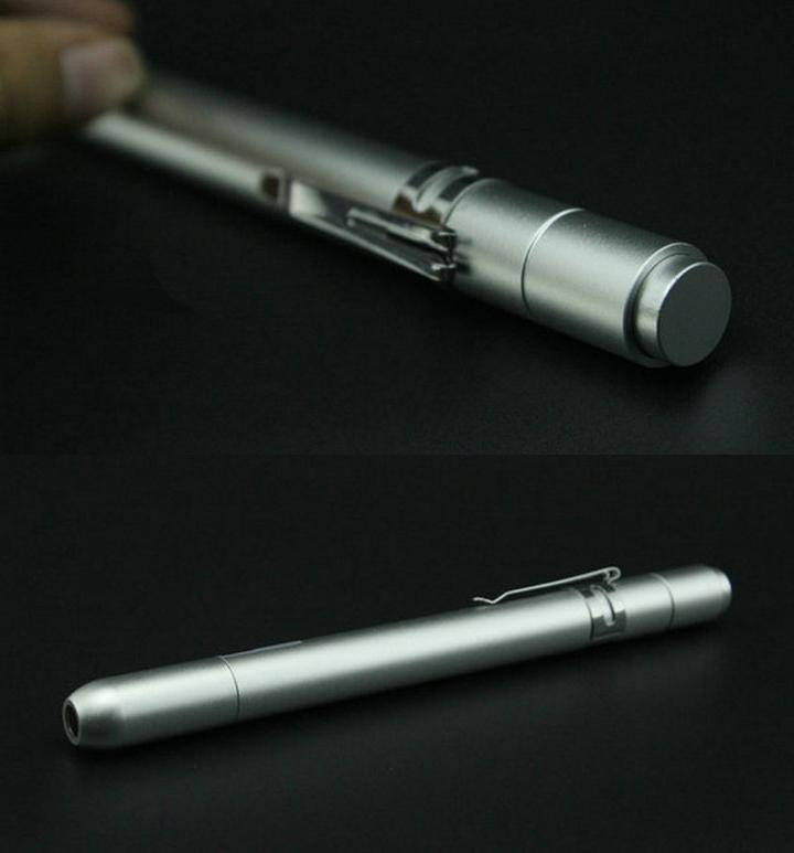 stylo laser bleu