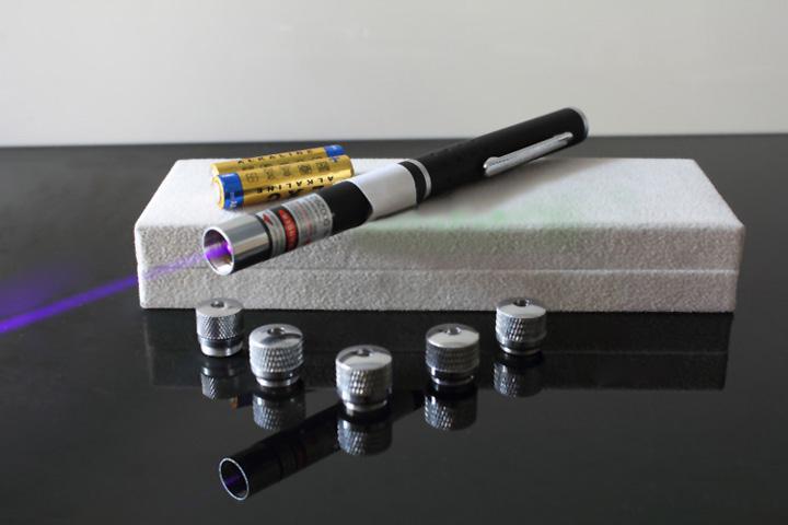 stylo laser bleu-violet